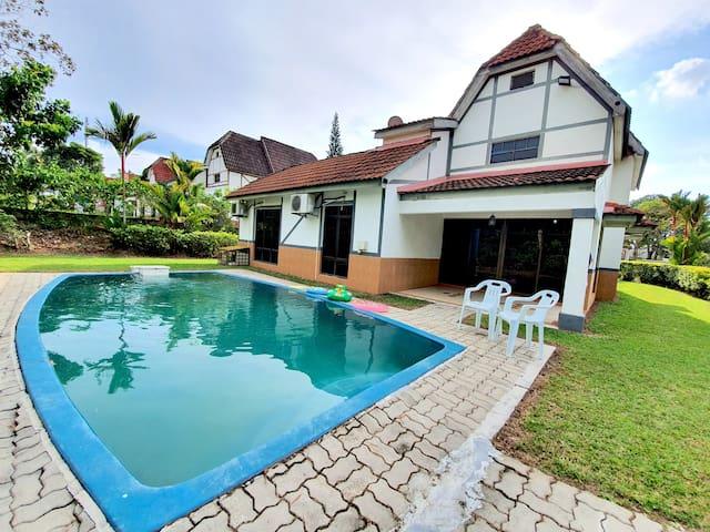 D'Faro@ A'famosa Resort Villa by BeeStay [10 pax]