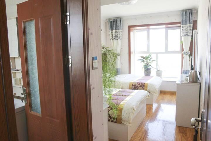 西宁曹家堡机场附近+途居家庭宾馆+舒适双床房