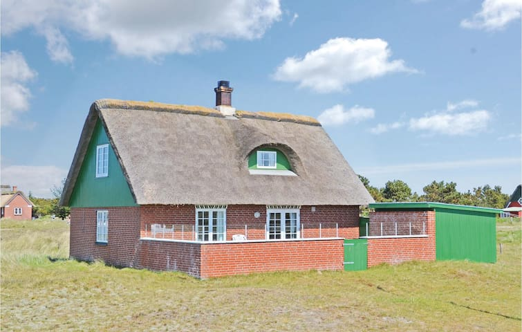 Holiday cottage with 2 bedrooms on 106m² in Fanø