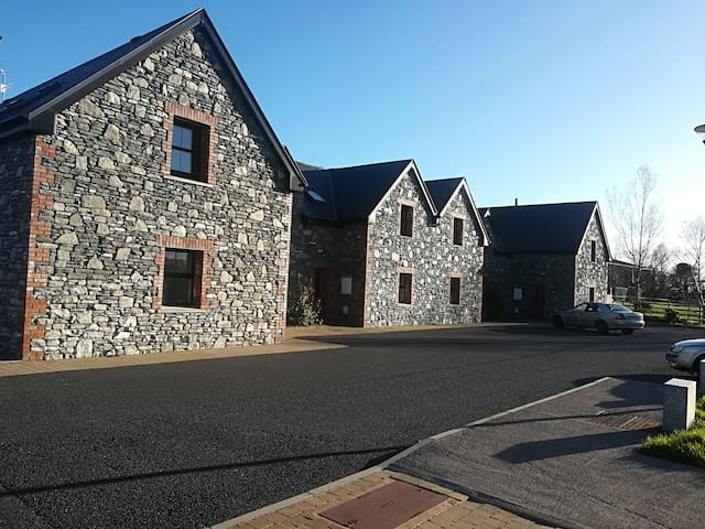 No.8 Alders Grove Holiday Village, Faha, Killarney
