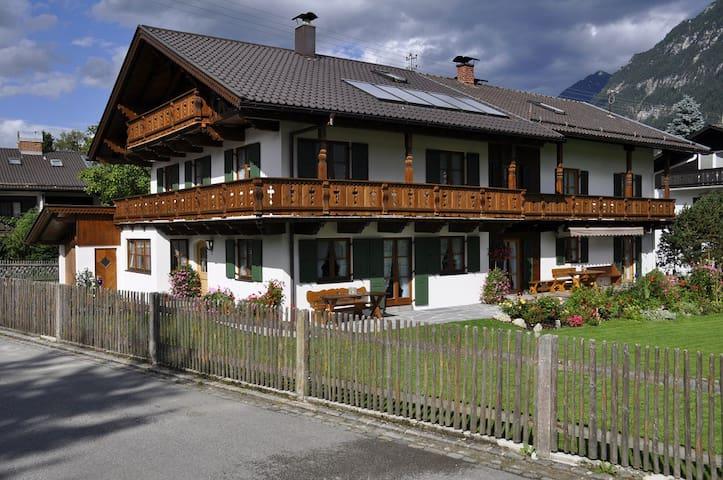 Haus Zugspitzland Fewo Dreitorspitz - Farchant - Appartement