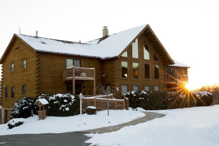 Lake View Lodge,8BD/7BA,Sleeps 25,on Beltzville Lk