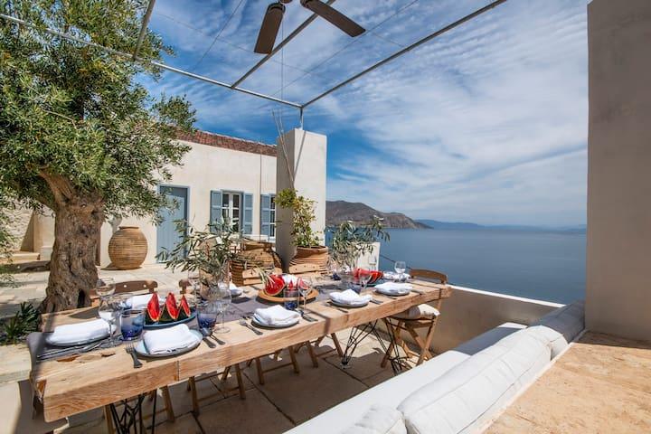 Anchor House, Symi - dream luxury villa by the sea
