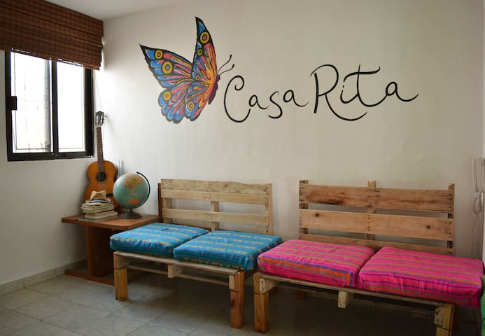 Casa Rita - Perfect location - Pool / Shared Room