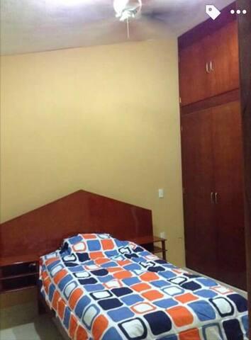 Habitación amueblada, baño privado - Tuxtla Gutiérrez - Hus