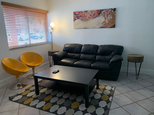 Perfect home away from home in Doral!