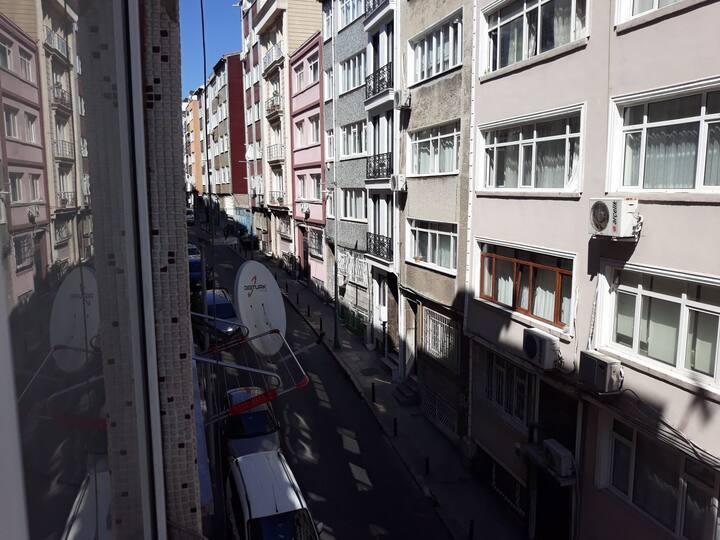 TATAVLA CHIP ROOM @ Taksim-Osmanbey