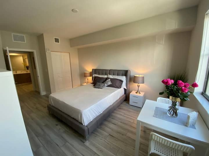 Luxury Room in Doral - With Car Rental Option!
