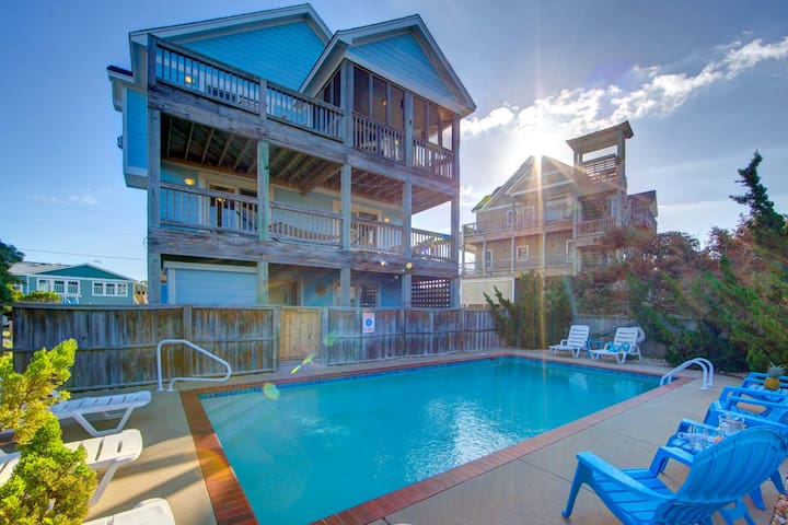 WEEKS REDUCED! 135 yards from the beach, private pool, hot tub, game room