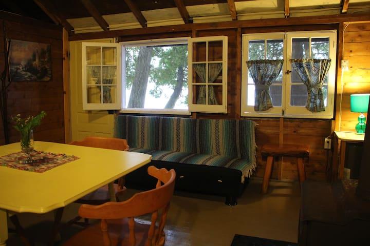 Cabin #3 Whispering Woods - Lake Cecebe