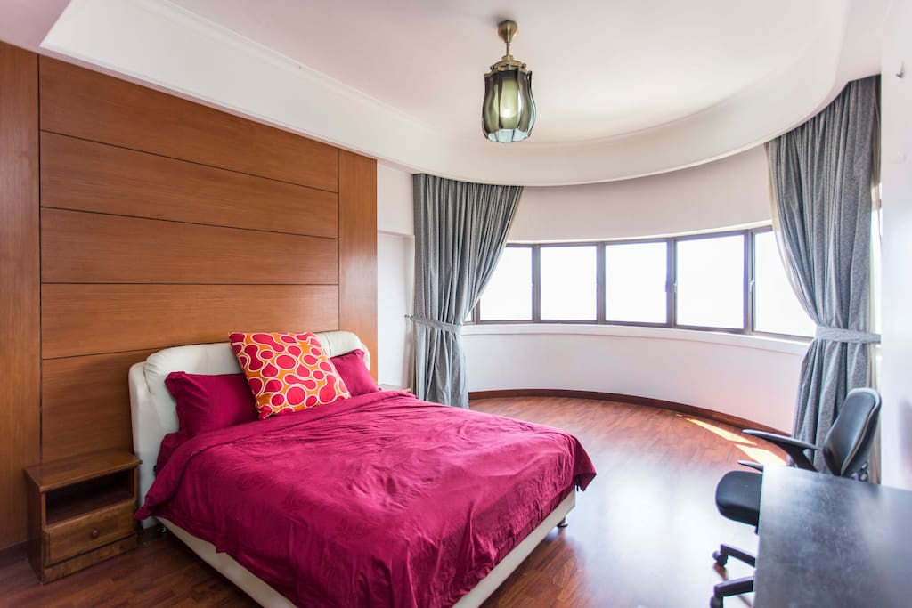 Huge bedroom with the most comfortable queen bed and private bathroom overlooking KL city! Note we have an extra bed upon request