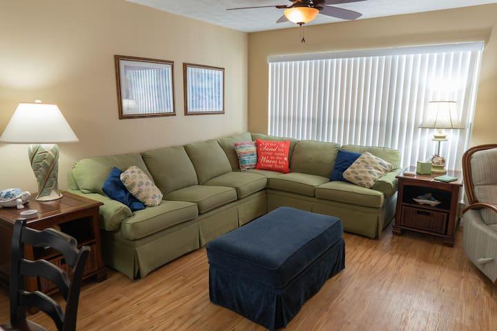 Horizon South 56205 - 1 Bedroom Plus Bunk, Sleeps 6, Close to Beach Access