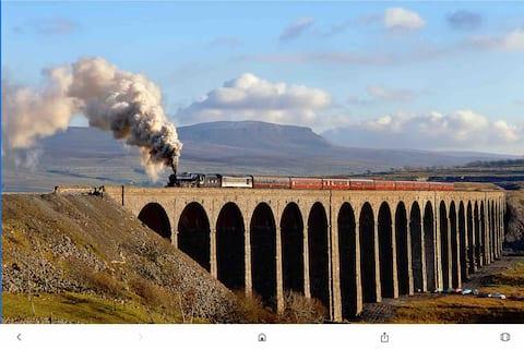 3 Peaks Stainforth Settle Carlisle Railway Dales