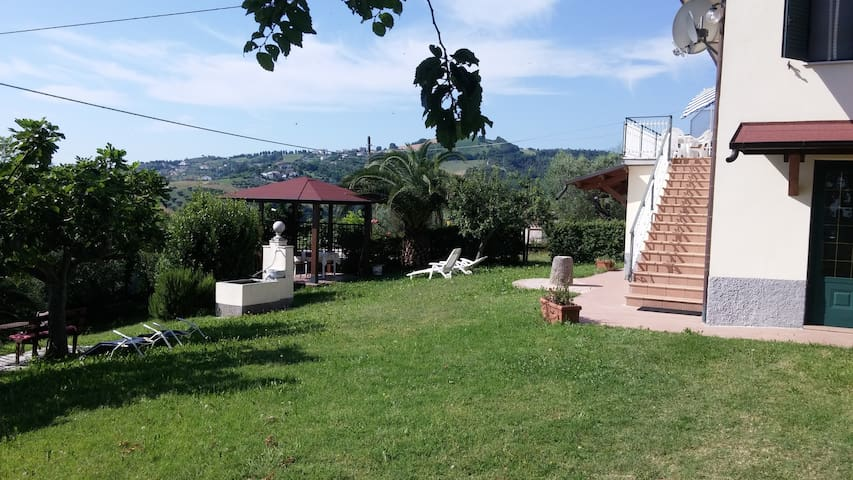 Country Holiday Home. Where no one will find You! - Cellino Attanasio - Casa