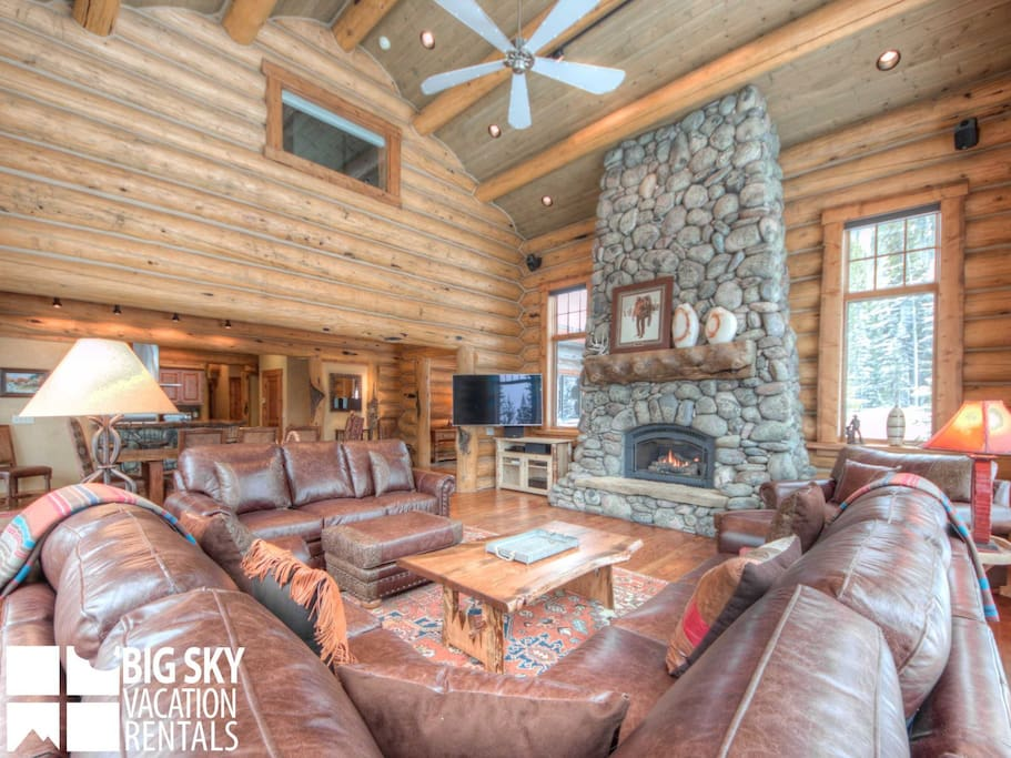 Big Sky Resort, Big Dog Lodge, Living, 3
