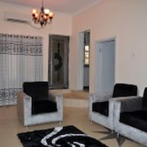 AIPL Apartment - Kosofe - Wohnung