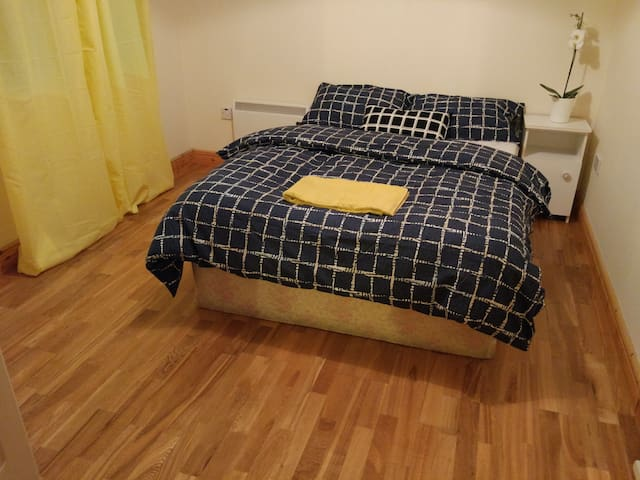 Double room, private bathroom in heart of Dublin