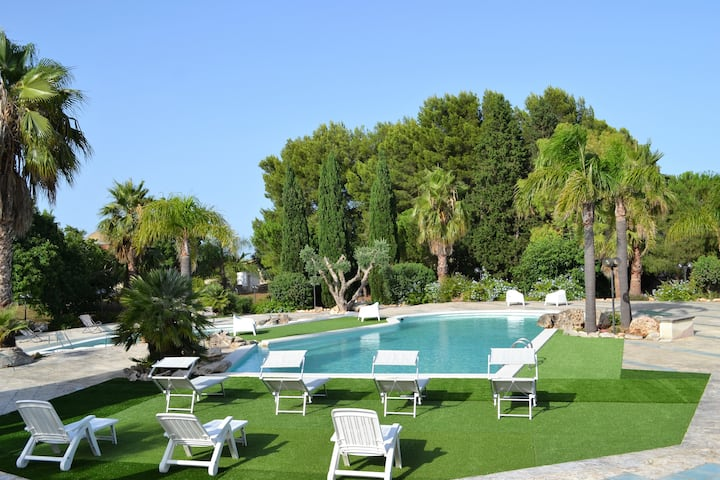 Villa Giorgia –Fabulous Villa with swimming pools