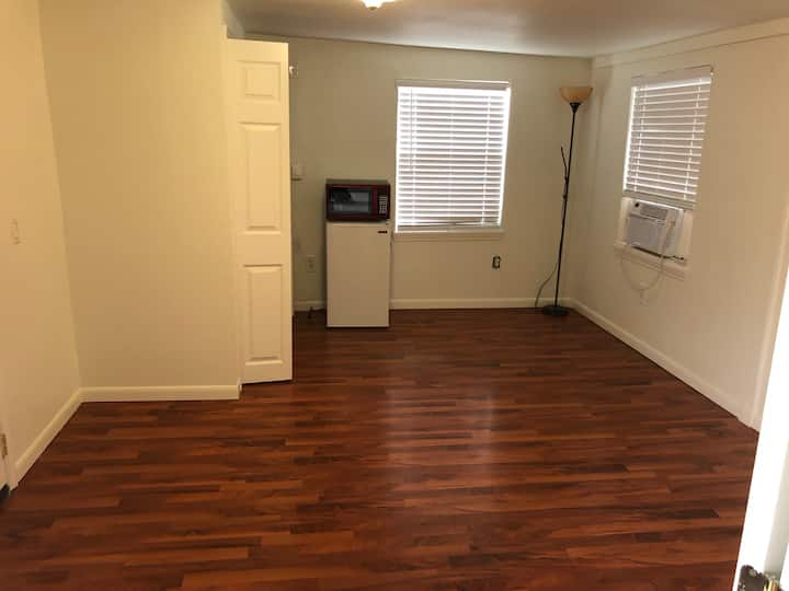 Private RM & BR with private entry Ft.Worth,TX!