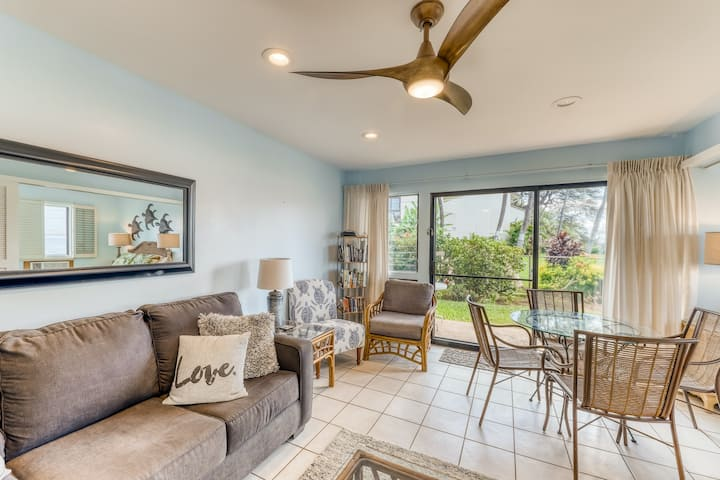 Oceanfront condo w/ private patio, shared pool, & shared grill - bring the dog!