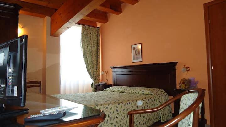 ✰✰✰ Hotel Archimede; Ortigia camera tripla