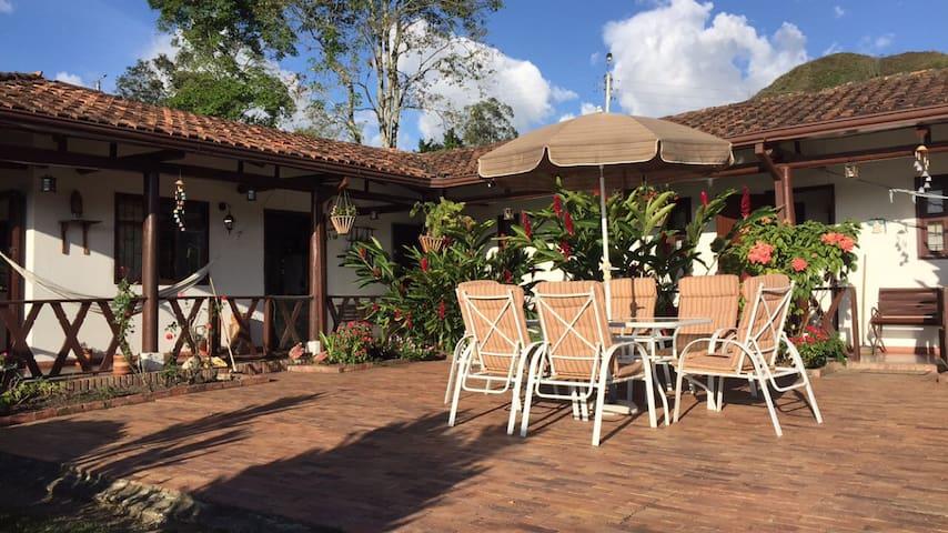 FINCA PALO ALTO perfecta acogedora casa de recreo - La Vega
