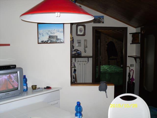 MANSARDA CENTRALE VICINA AGLI IMPIANTI - CENTRAL - Alagna Valsesia - Appartement