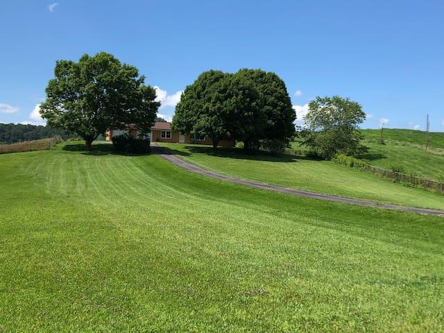 Blue Ridge Mountain Tri-state Home