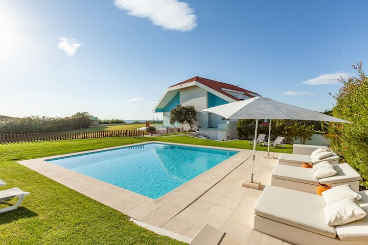 Sea La Vie - Beachfront Heated Pool - Near Porto