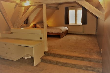 Charming apartment in historical building - Brugge - Huoneisto