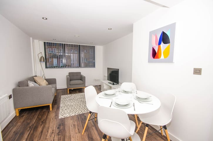 Executive 1 BR Apartment in Chinese Quarter