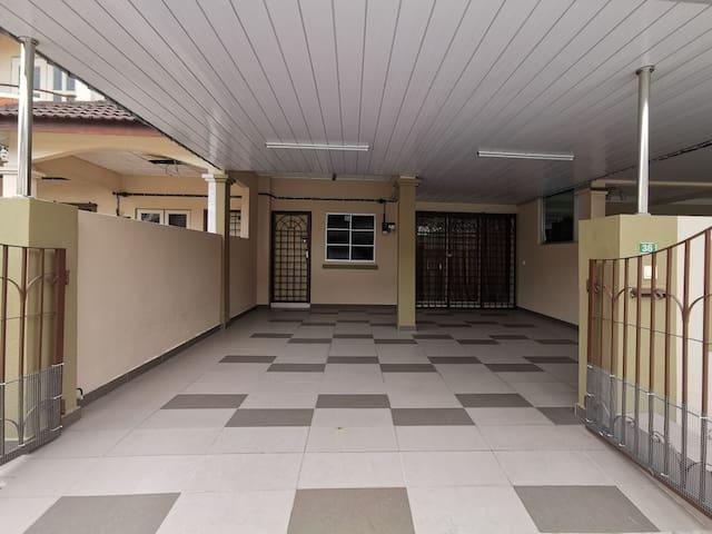 Cindy house