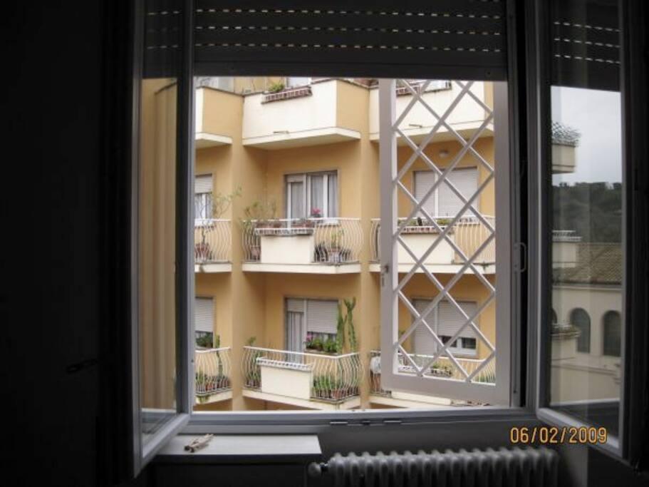 Gated/openable windows. Quiet neighbourhood.