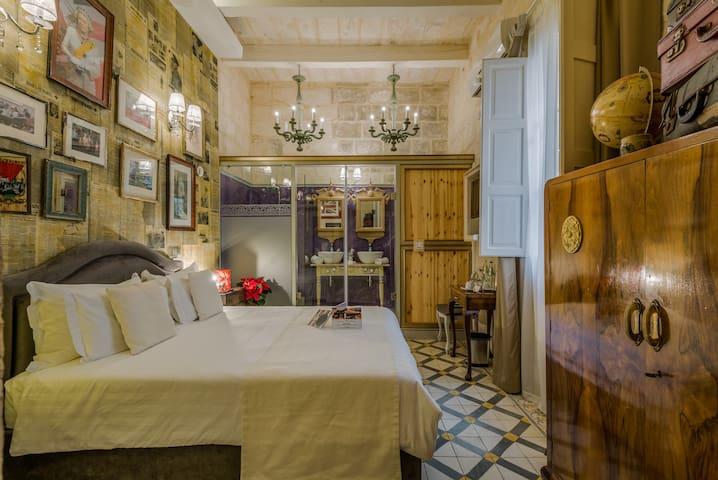Double Room in Valletta (Elizabeth)