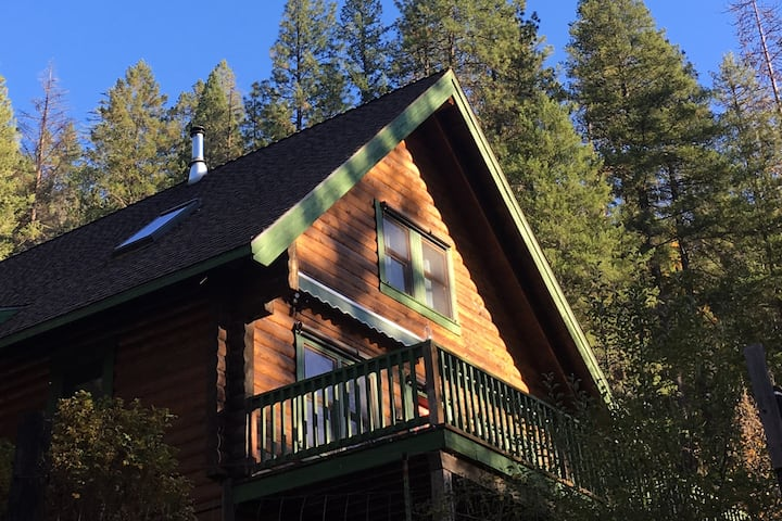 The Bird House on Klamath River - Fun for Everyone
