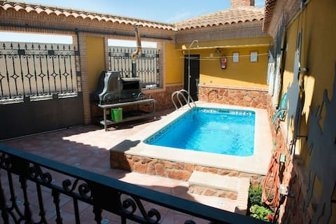 Casa para 8 con piscina y barbacoa