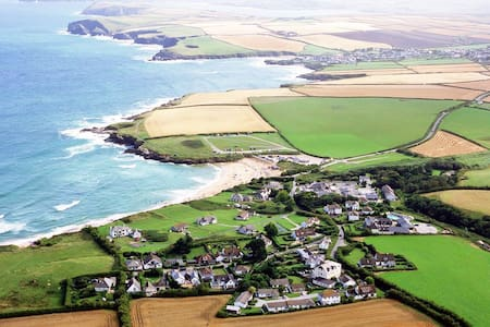 DELFI -garden apartment in HARLYN BAY nr PADSTOW