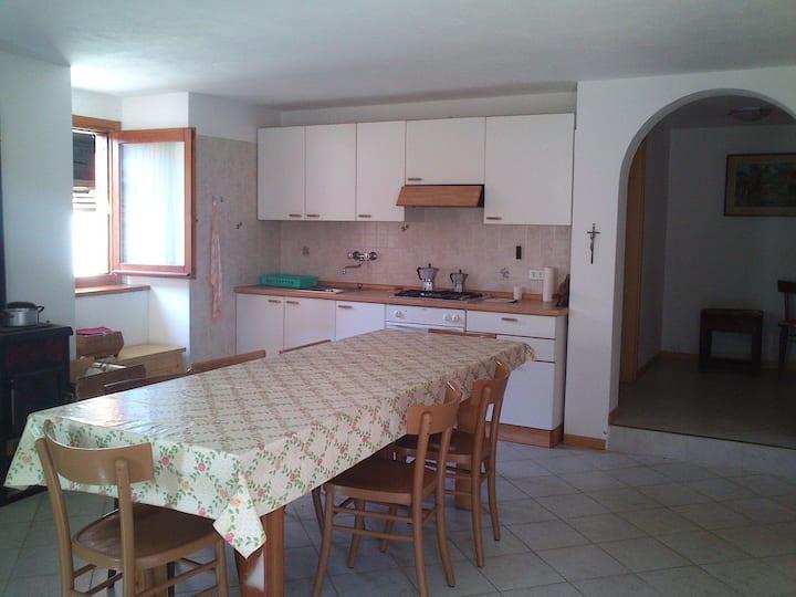 Monolocale con terrazzo / studio flat with terrace