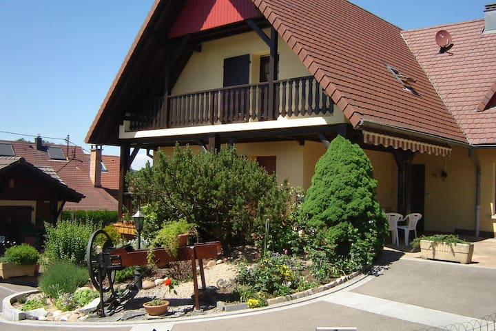 Comfortable Holiday Home in Ruederbach with Terrace