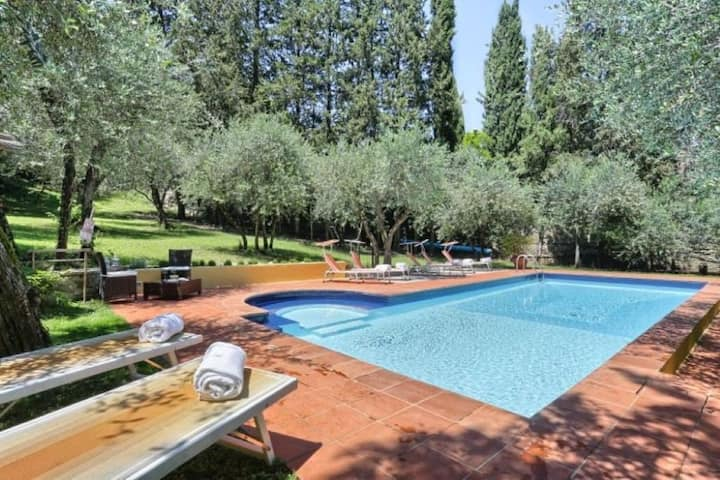 Florence Villa,Pool,Parking, 3km to Ponte Vecchio