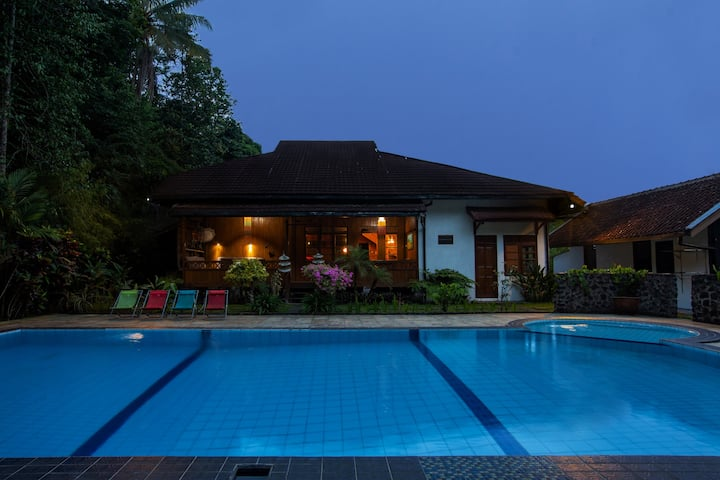 Villa Tanen: a beautiful place near Yogya – Room 5