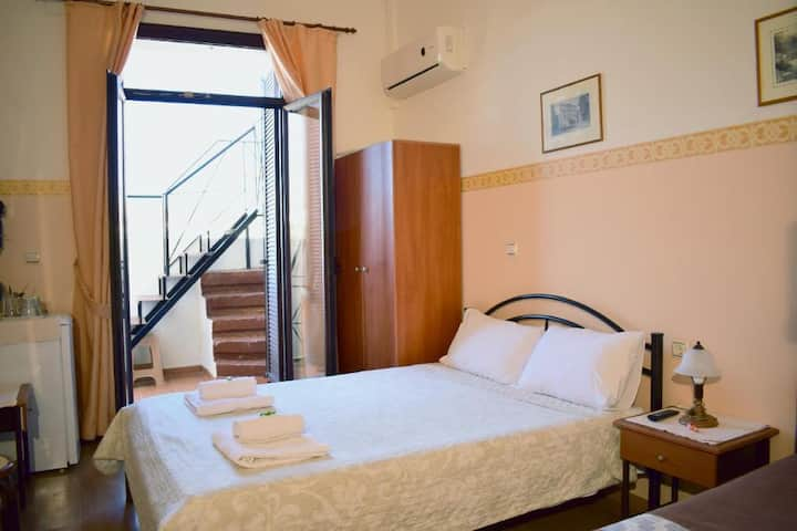 Stoa Rooms | Studio with sea view 2