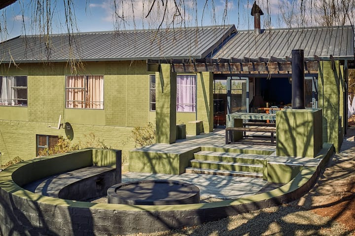Golden View: Willow Rest house