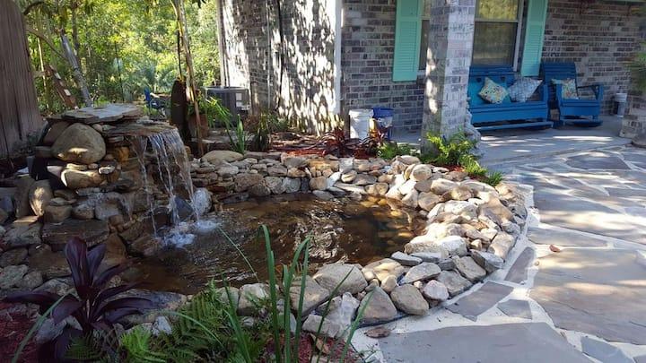 Tropical Oasis, Graveline Bayou/across street Gulf