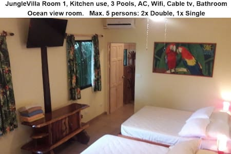JungleVilla Rm1, Max.5p, 3 Pools, Kitchen use, AC - Quepos