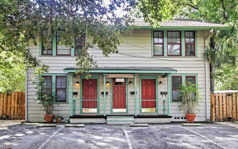 Historic Sarasota Studio Steps From the Bay! - Sarasota - House