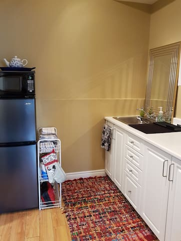 The kitchenette fully equipped