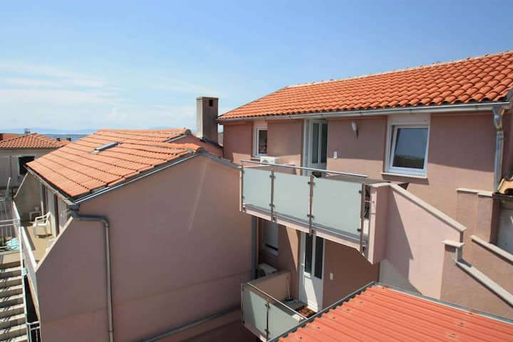 Studio for 1+2 persons in Crikvenica R97526