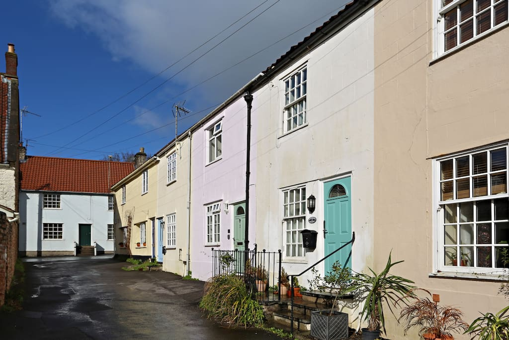 The cottage is located in a particularly charming part of Wells