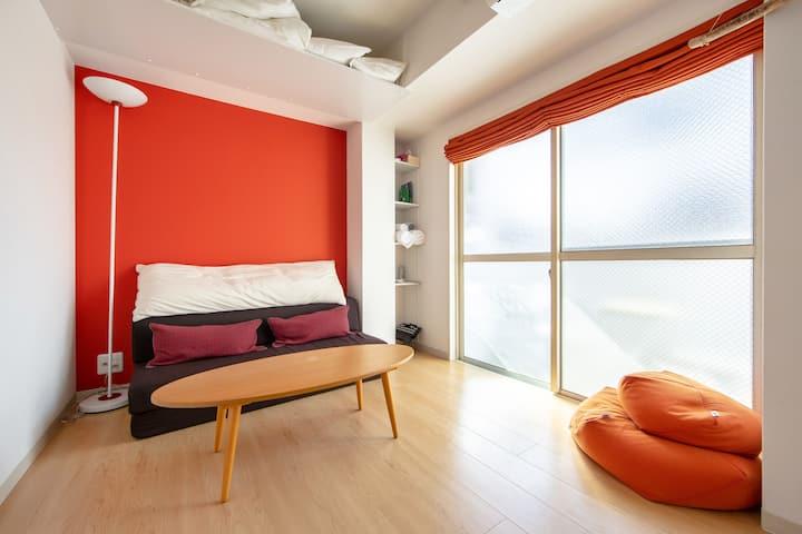 Super Located Sunny Studio w/Balcony Wifi&Bike